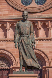 Statue of Charles de Foucauld by safaribears