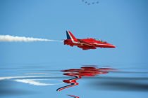 Red Arrows RAF Reflected von Dan Davidson