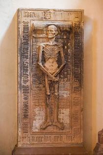 Tomb Slab in Saint-Thomas, Strasbourg by safaribears