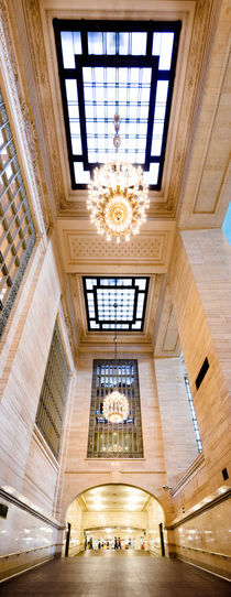 Grand Central Station. by Tom Hanslien