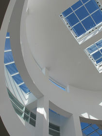 Curves of Getty Museum by dayle ann  clavin