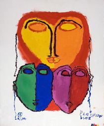 Drei Masken von haselnusstafel