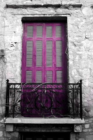 Plaka-old-window-no