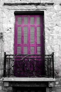Plaka_old window no.1 von Pia Schneider