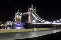 London Tower Bridge at night von Dan Davidson