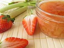 Konfitüre mit Rhabarber und Erdbeeren von Heike Rau