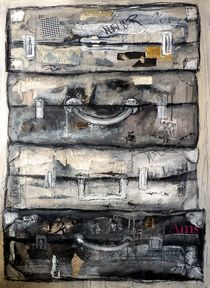 gestapelte Koffer von Christine Lamade
