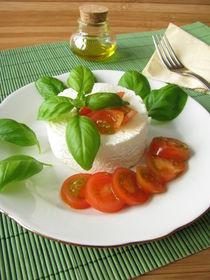 Ziegenfrischkäse mit Tomaten und Basilikum von Heike Rau