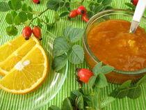 Konfitüre mit Hagebutten und Orangen von Heike Rau