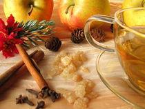Teepunsch mit weihnachtlichen Gewürzen by Heike Rau