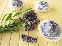 Seifenpralinen mit Lavendel by Heike Rau