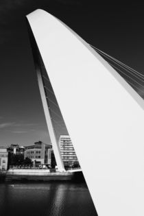 Millennium Bridge Black and white by Dan Davidson