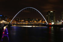 Millennium Bridge Gateshead by Dan Davidson