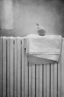 Still life with pear by Diana Kraleva