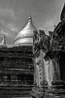 Dhammayazika Pagoda by RicardMN Photography