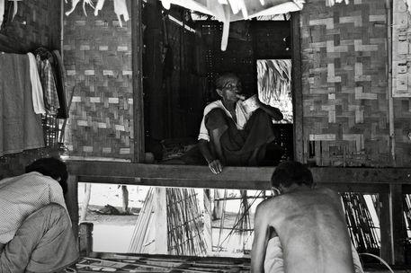 Birmania2006-086-bw-gg-20-percent