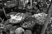 Burmese market BW by RicardMN Photography