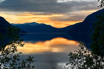 Abend am Fjord by nordicsmedia