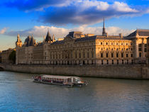Conciergerie, Paris by Louise Heusinkveld