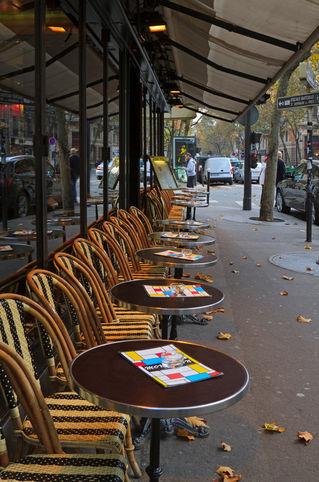 Paris-bistro0800