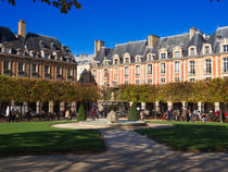 Place des Vosges, Paris by Louise Heusinkveld