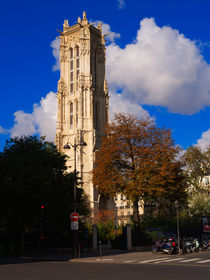 Tour St Jacques, Paris by Louise Heusinkveld