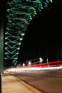 Light trails on Tyne Bridge von Dan Davidson