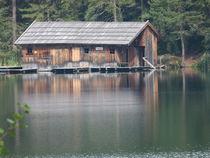 Bootshaus am See von Corinna Schumann