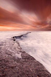 The edge of earth by Jorge Maia