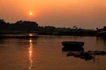 Sunset On The River. by Tom Hanslien