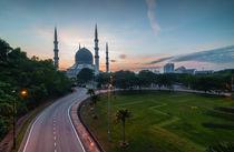 Sunrise-blue mosque shah alam by Azirull Amin  Aripin