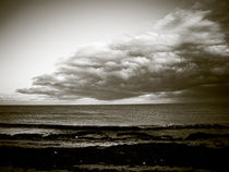 Storm Clouds and The Sea von Jamie Starling