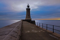 Tynemouth Pier Lighthouse by David Pringle