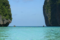 Phi Phi Islands Maya bay - Thailand by Gillian Sweeney