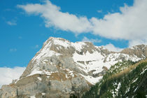 Stunning mountain landscape below a beautiful sky by David Castillo Dominici