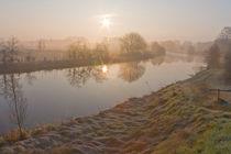 Frost und Sonnenaufgang zwischen Moor und Marsch by Paul Artner