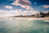 cottesloe beach by Arno Kohlem