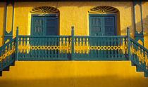 Green and Yellow House Guatemala von John Mitchell