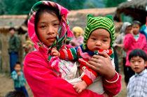 Mädchen mit Baby - Vietnam by captainsilva