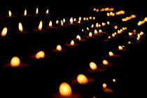 Kerzenreihe von Thomas Lambart