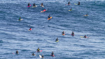 maui | peahi crowd