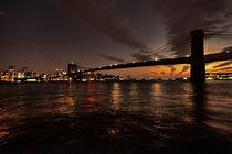 Dusk-over-brooklyn-bridge