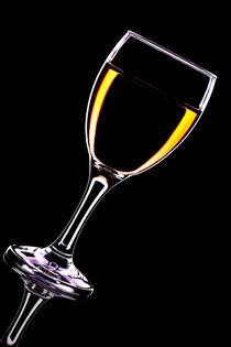 einfach nur ein Glas Wein by Denis Kramer