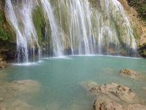 Original Waterfall , Natural Swimming Pools von Tricia Rabanal