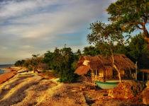 Philippinen - Haus am Meer by lessaksart