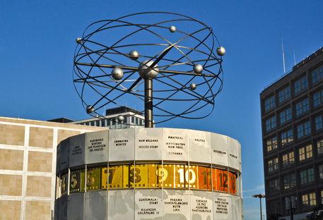 Weltzeituhr-alexanderplatz-berlin-mitte