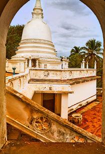Blick auf einen Tempel von Gina Koch