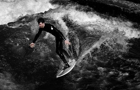 Mono-surfer