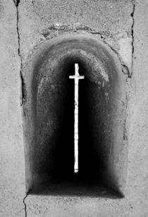 cross, on wall von Manuela Russo