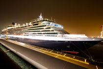 Cunard Queen Victoria im hamburger Hafen von Marten Bornhöft